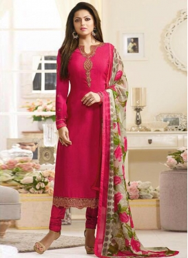 Embroidered Work Drashti Dhami Trendy Pakistani Salwar Kameez
