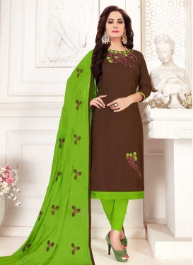 Aari Work Trendy Straight Salwar Kameez