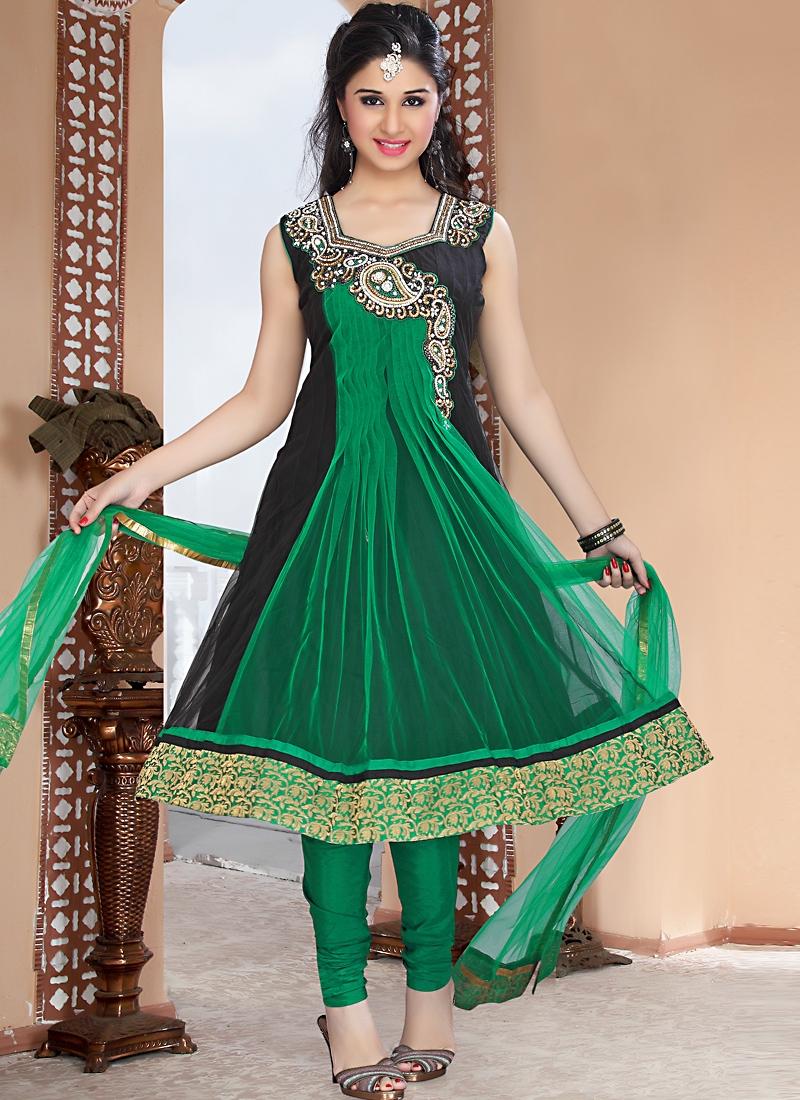 Aesthetic Black And Green Salwar Kameez