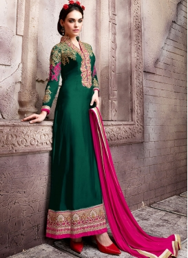 Amusing Resham And Stone Work Pakistani Salwar Kameez