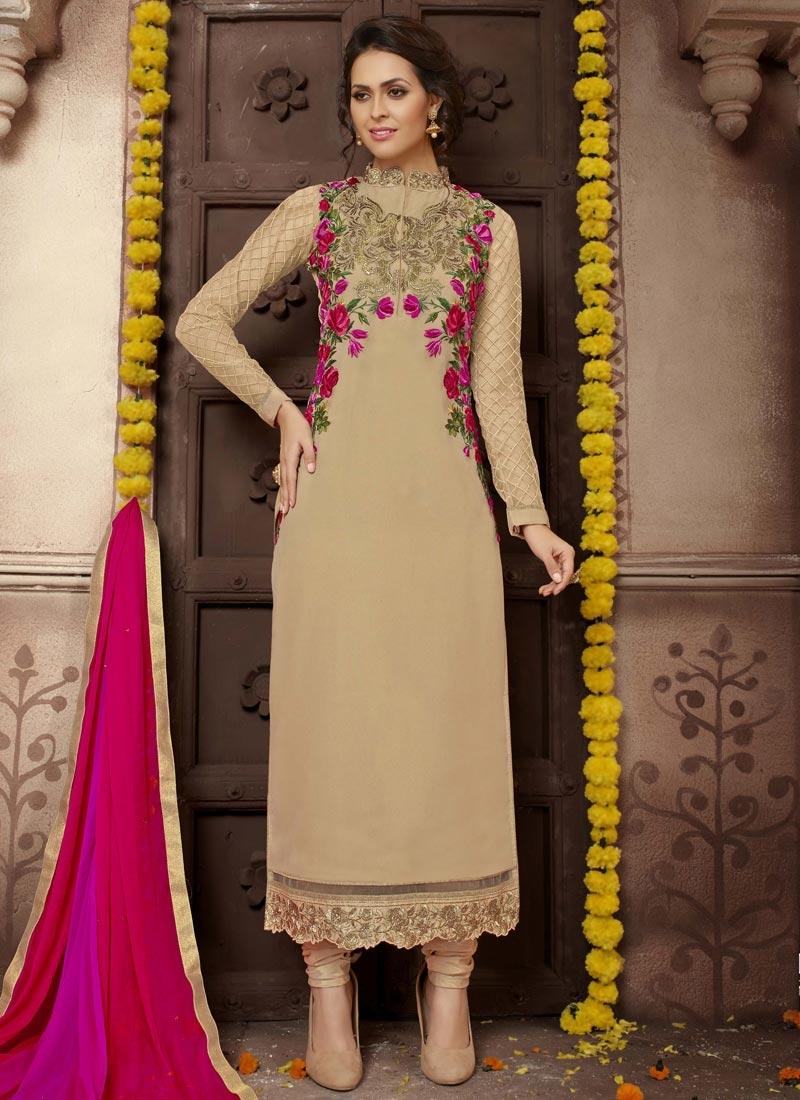 Aristocratic Designer Pakistani Salwar Suit For Ceremonial
