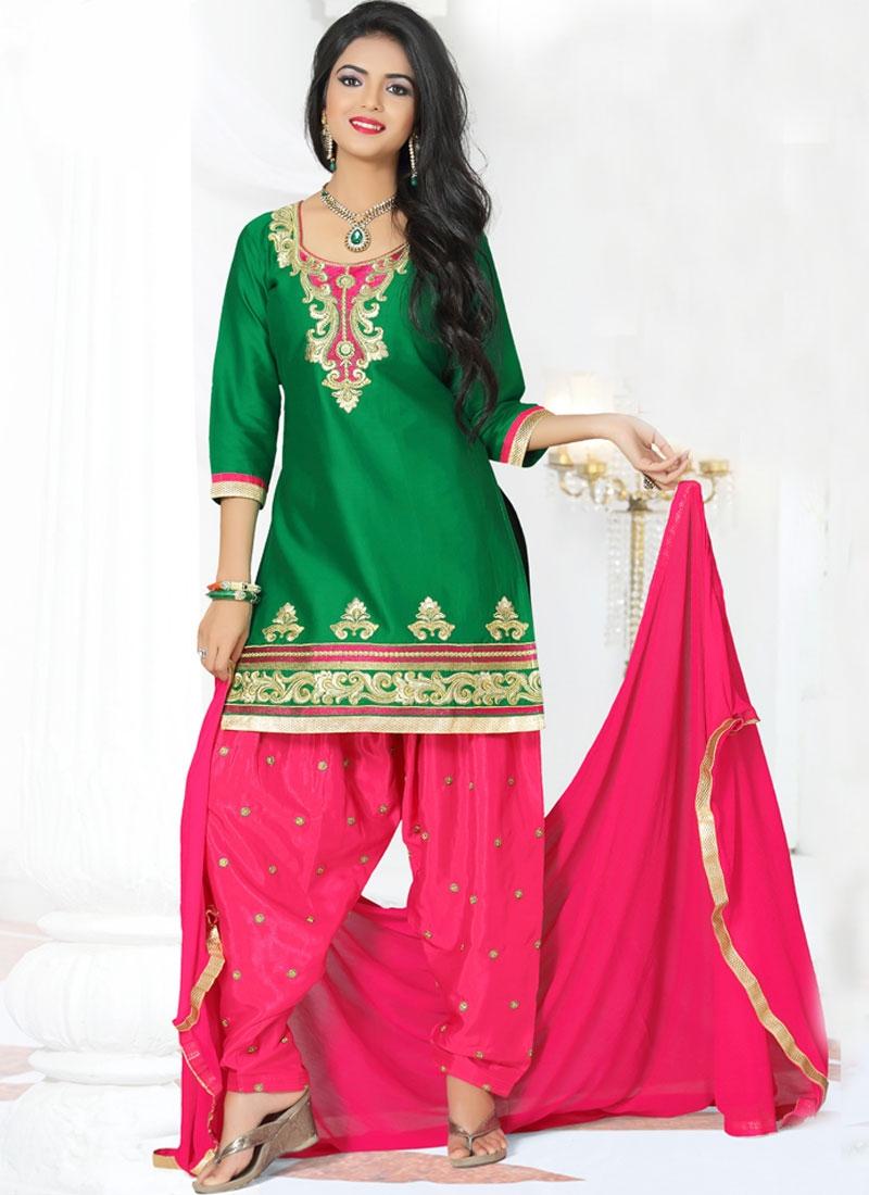 Aspiring Lace Work Patiala Style Punjabi Suit