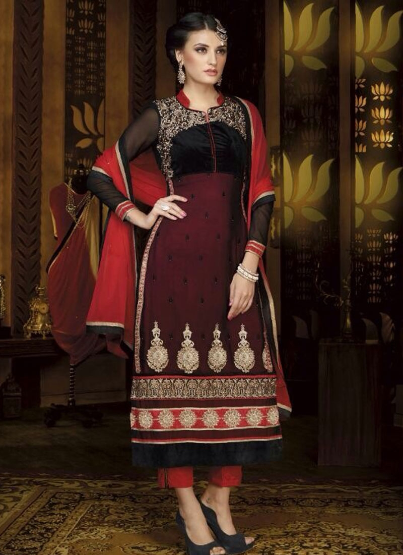 Astounding Booti And Resham Work Party Wear Salwar Suit