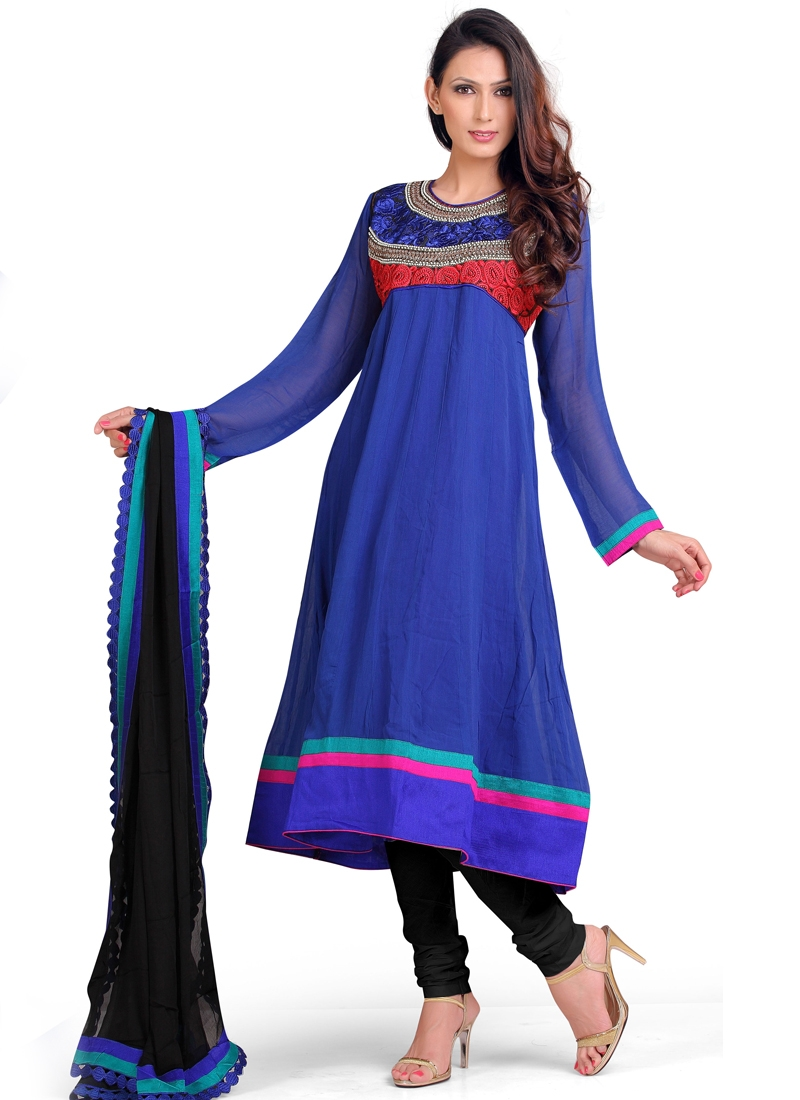 Auspicious Resham Work Party Wear Salwar Suit