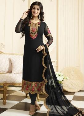 Ayesha Takia Trendy Pakistani Salwar Kameez For Festival