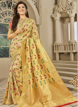 Banarasi Silk Thread Work Contemporary Style Saree