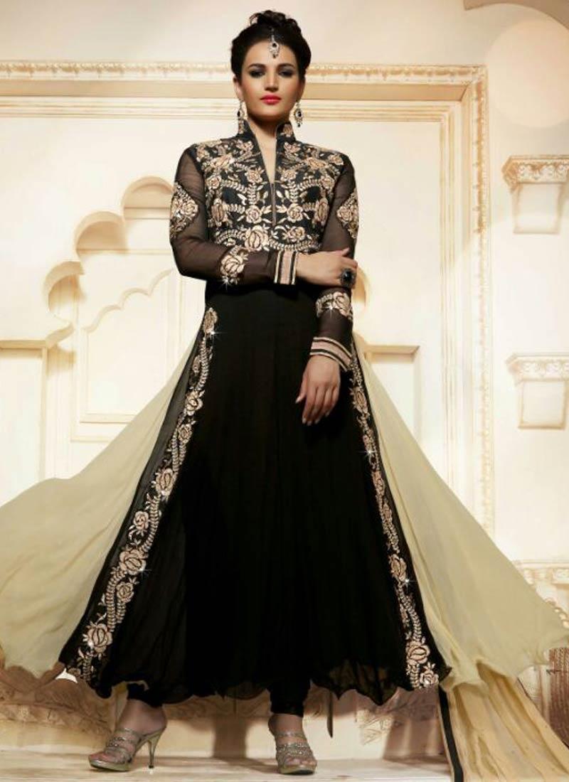 Beauteous Booti Work Black Color Designer Salwar Kameez