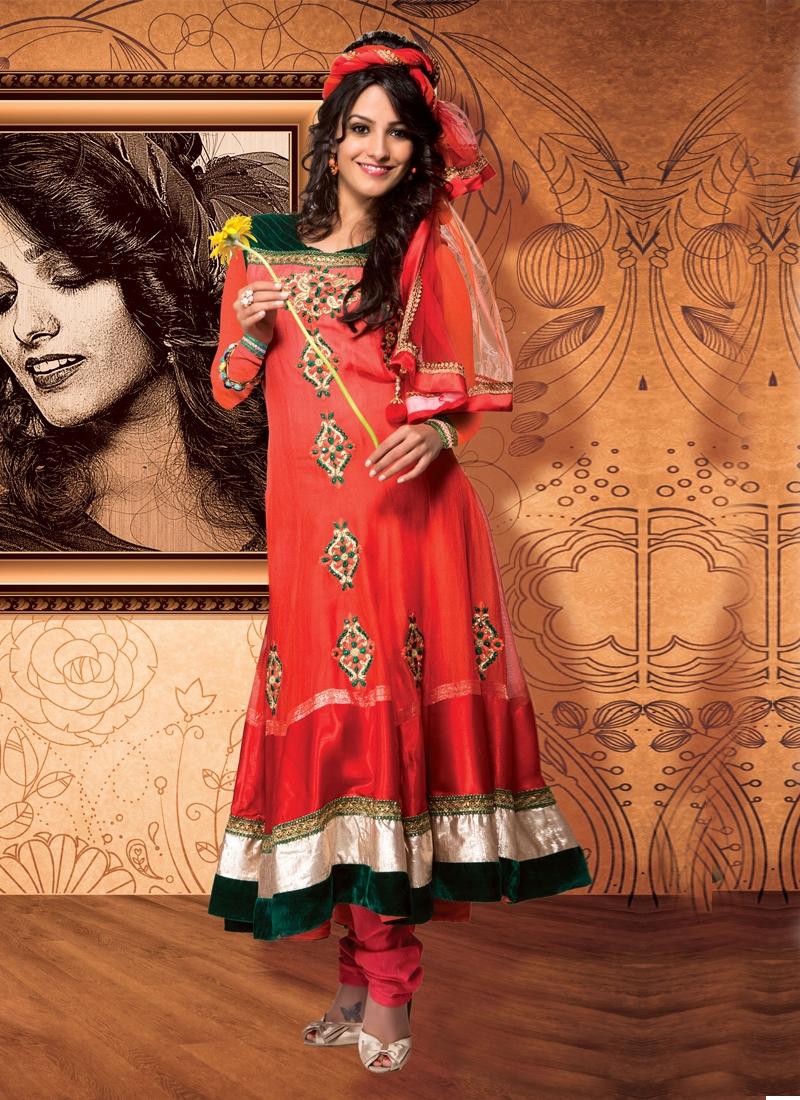 Beauteous Stone Enhanced Wedding Salwar Kameez