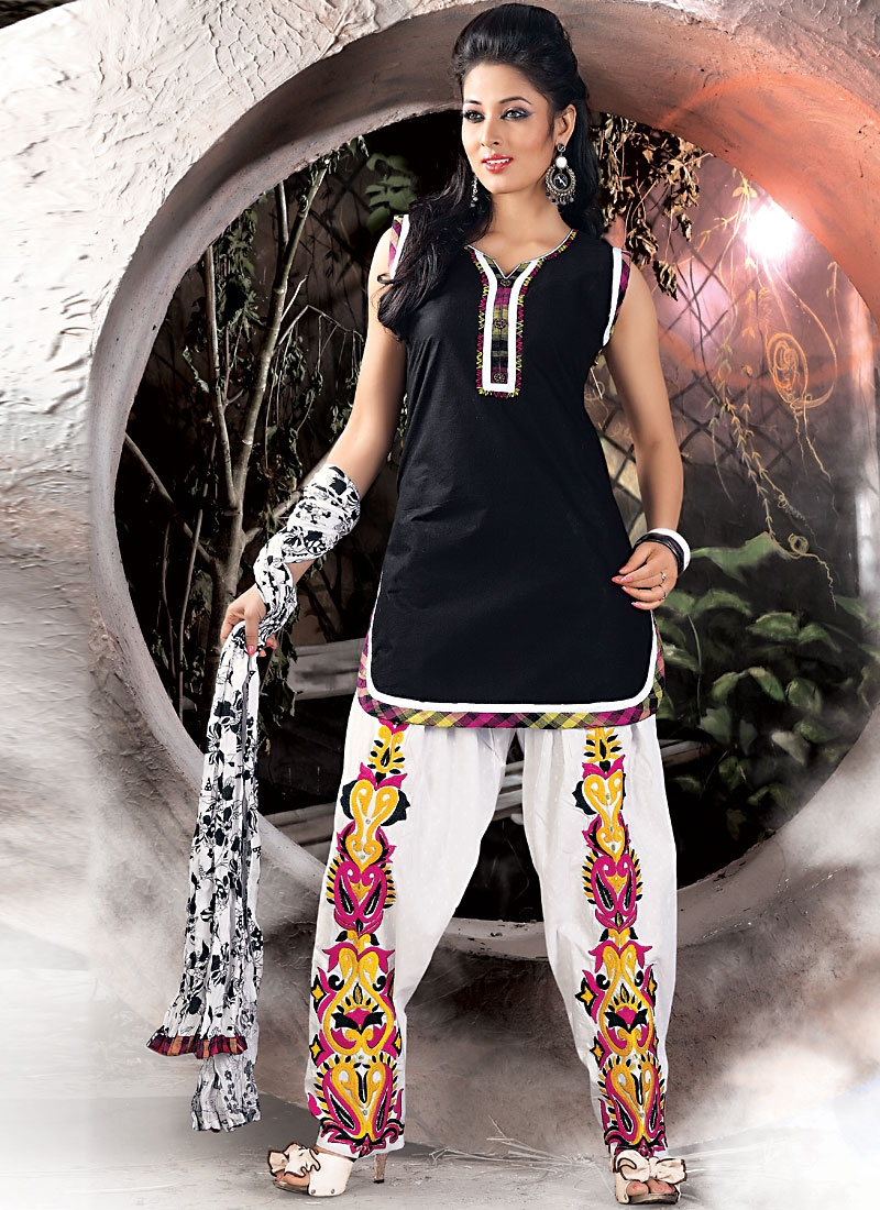 Beautiful Black And Off White Salwar Kameez