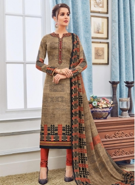 Best Crepe Silk Trendy Pakistani Suit For Festival