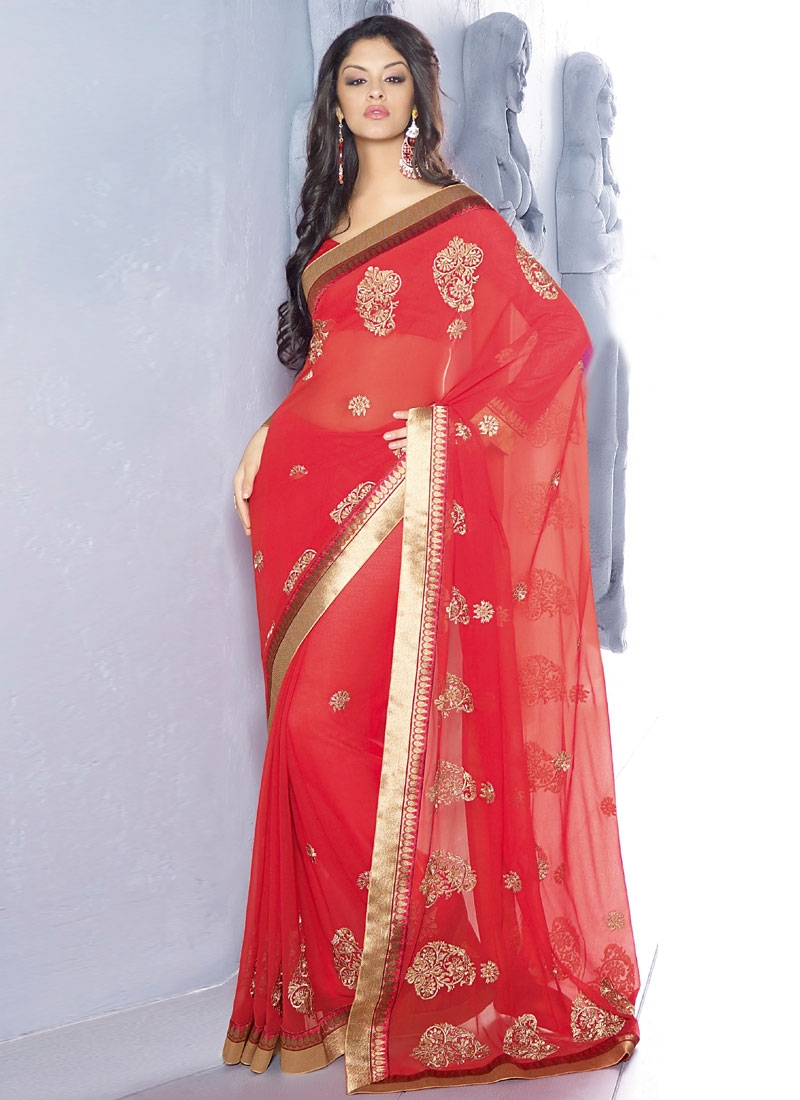 Bewitching Booti Enhanced Party Wear Saree