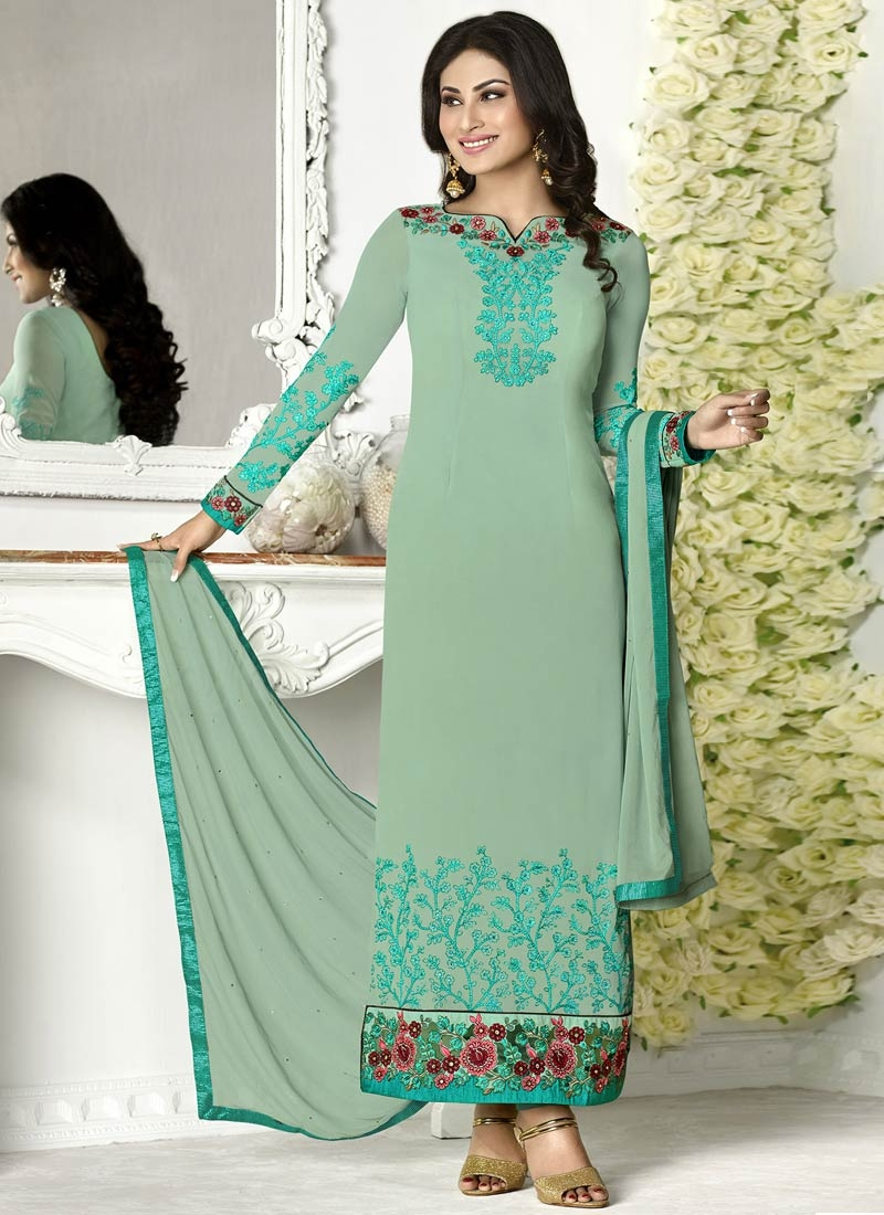Breathtaking Floral Work Pakistani Salwar Kameez