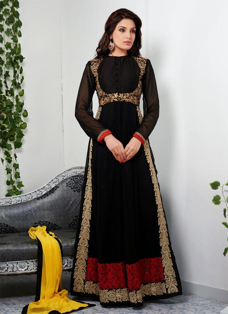 Capricious Aari And Resham Work Designer Salwar Kameez