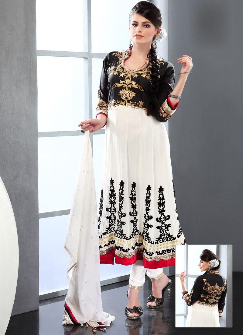 Captivating Black And Off White Salwar Kameez