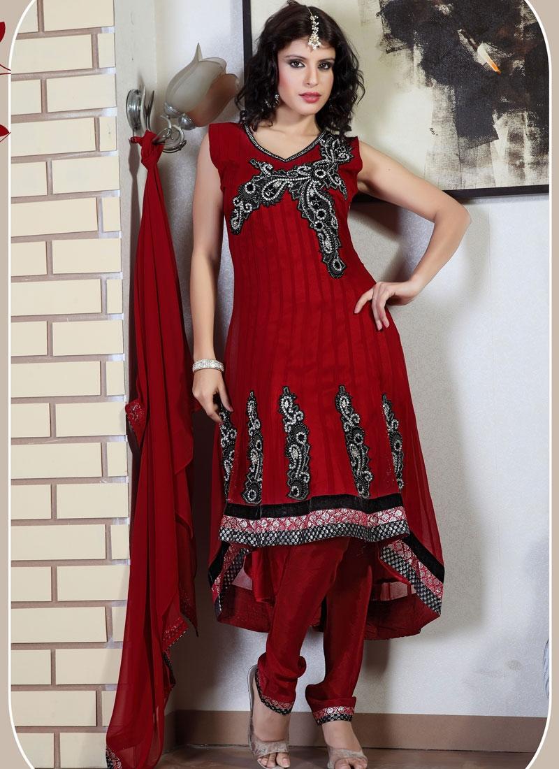 Charming Red And Black Salwar Kameez