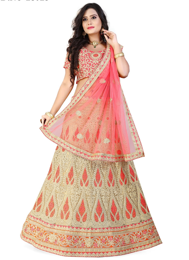 Compelling Embroidery And Stone Work Bridal Lehenga Choli
