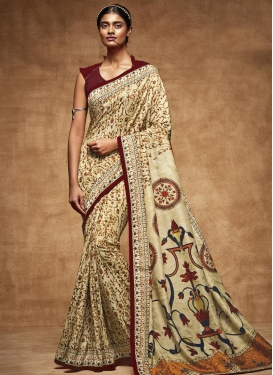 Congenial Trendy Classic Saree For Festival