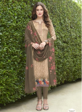 Crepe Silk Trendy Pakistani Salwar Suit