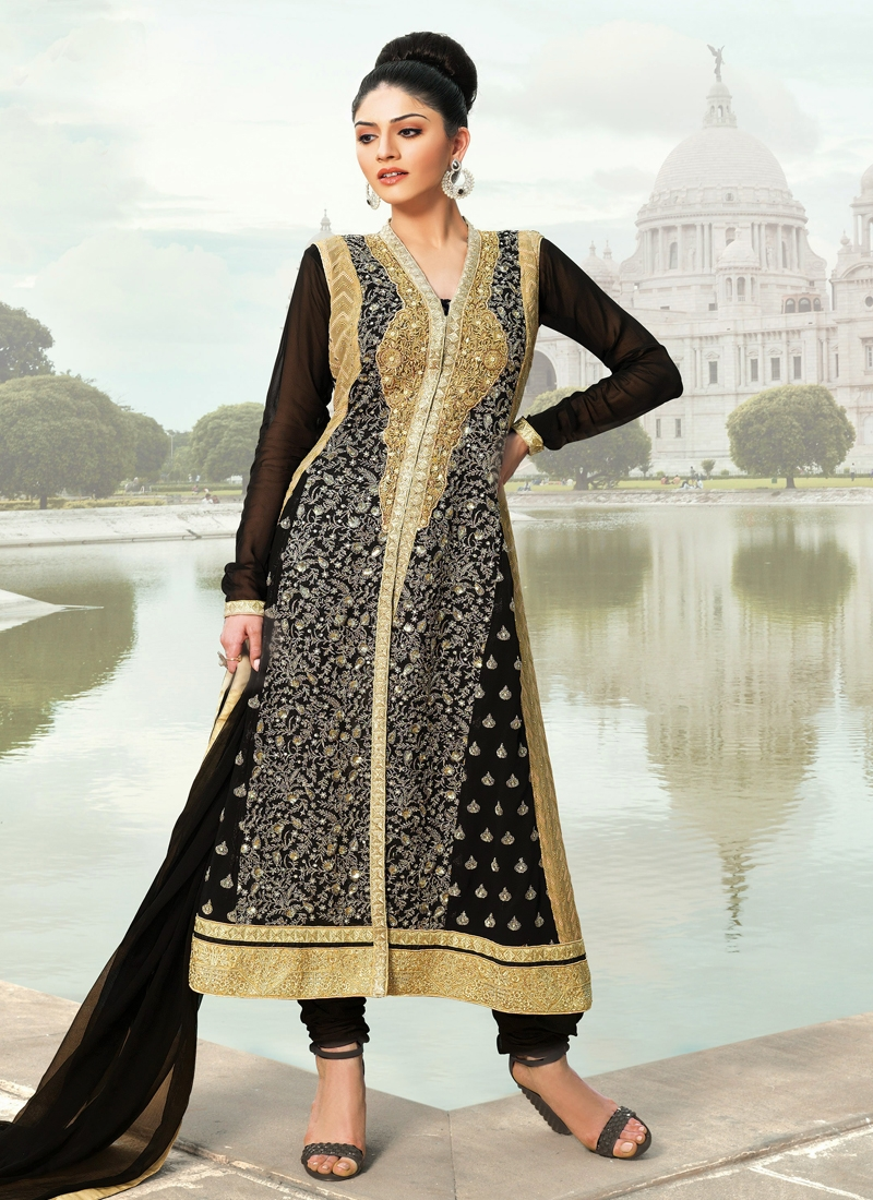Dashing Faux Georgette Designer Salwar Kameez