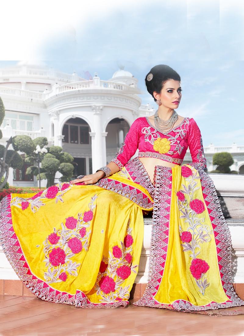 Dashing Floral Enhanced Bridal Saree