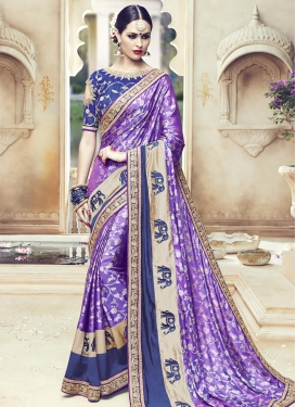 Delectable Lace Work Traditional Saree
