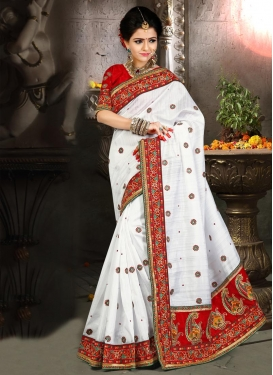 Demure Lace Work Designer Traditional Saree