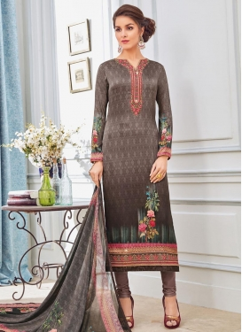 Digital Print Work  Trendy Pakistani Salwar Kameez