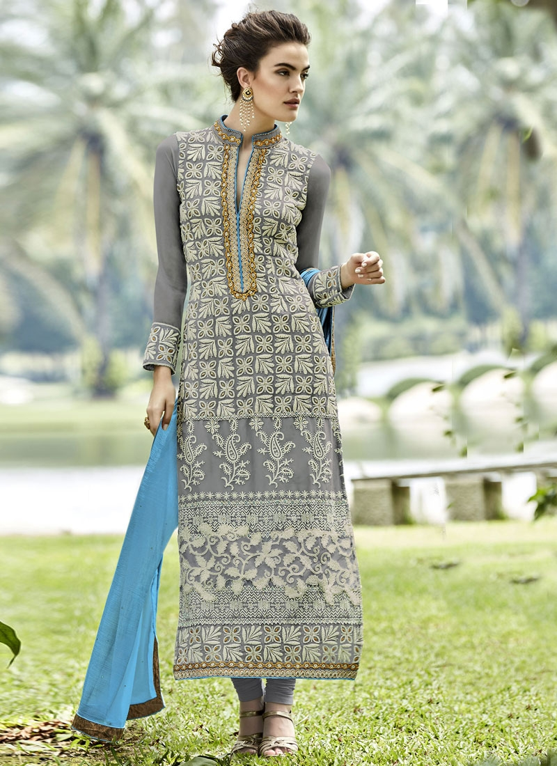 Dignified Embroidery Work Long Length Pakistani Salwar Kameez