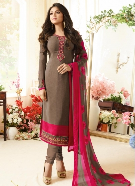 Drashti Dhami Crepe Silk Pakistani Suit For Ceremonial