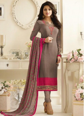 Drashti Dhami Embroidered Work Pakistani Suit
