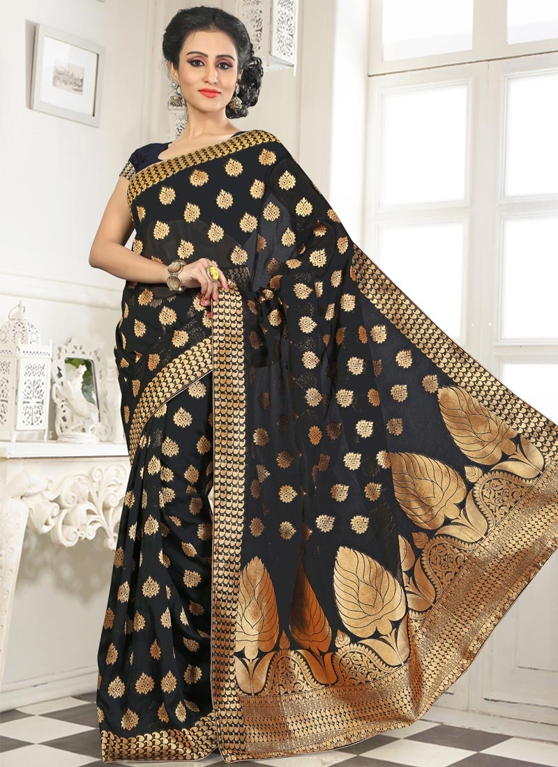 Engrossing Banarasi Party Wear Saree