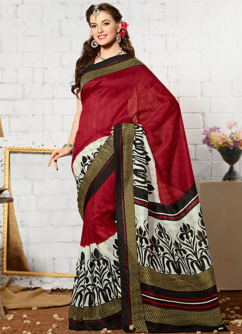 Engrossing Maroon And Off White Color Casual Saree