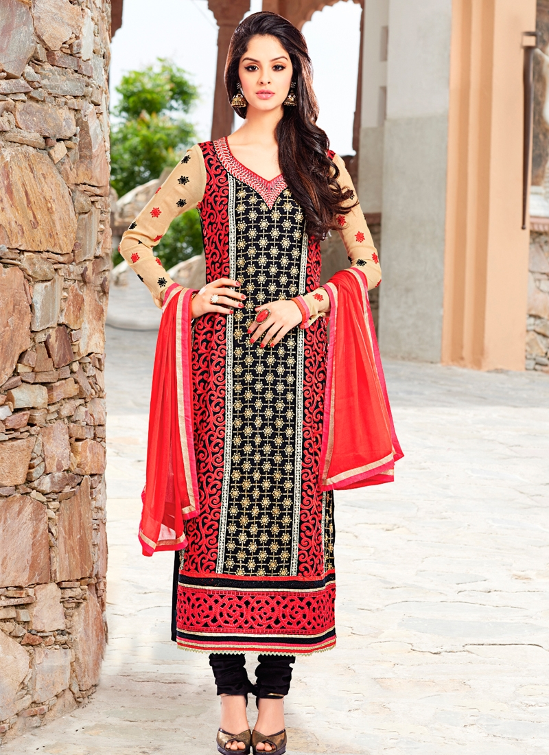 Enticing Black Color Pakistani Suit