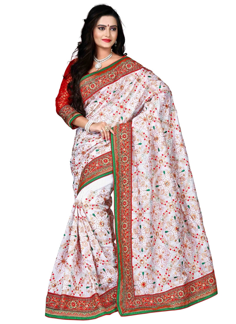 Entrancing Embroidery And Lace Work Designer Saree
