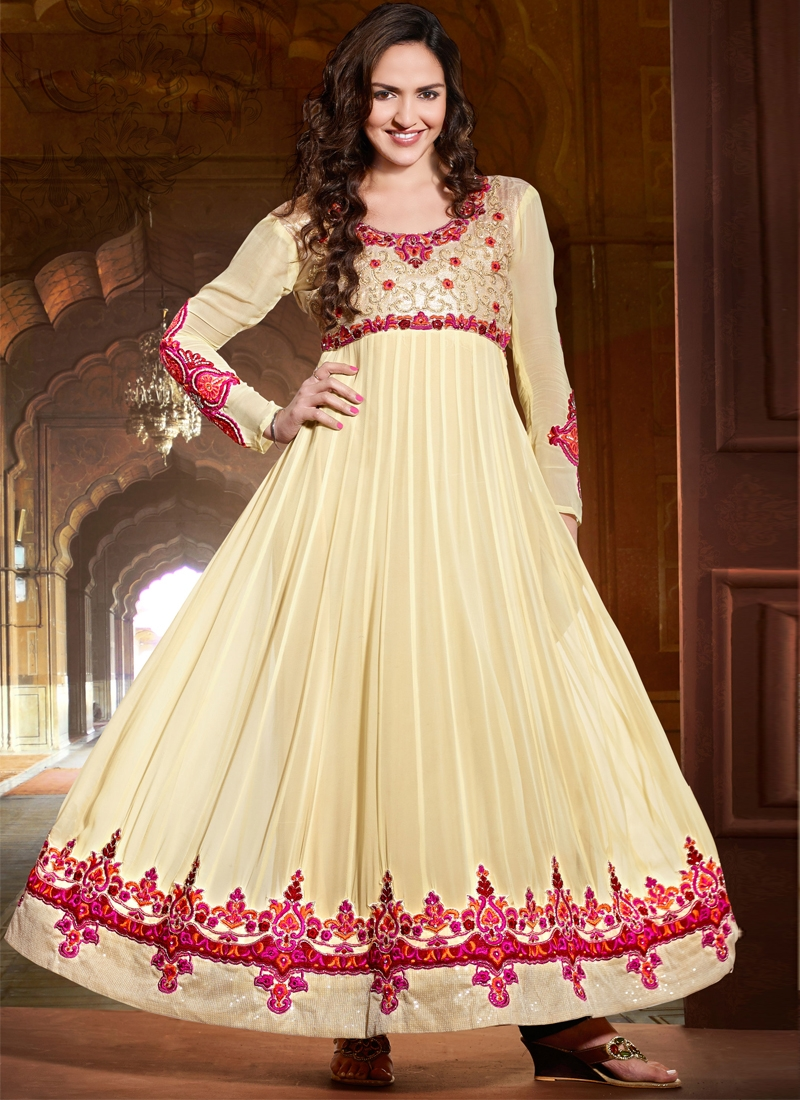 Esha Deol Cream Color Georgette Bollywood Suit