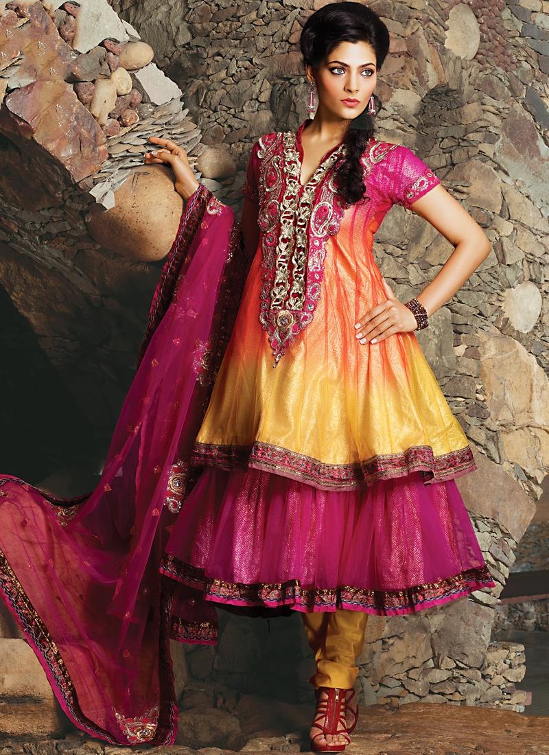 Ethnic Magenta And Gold Color Salwar Kameez
