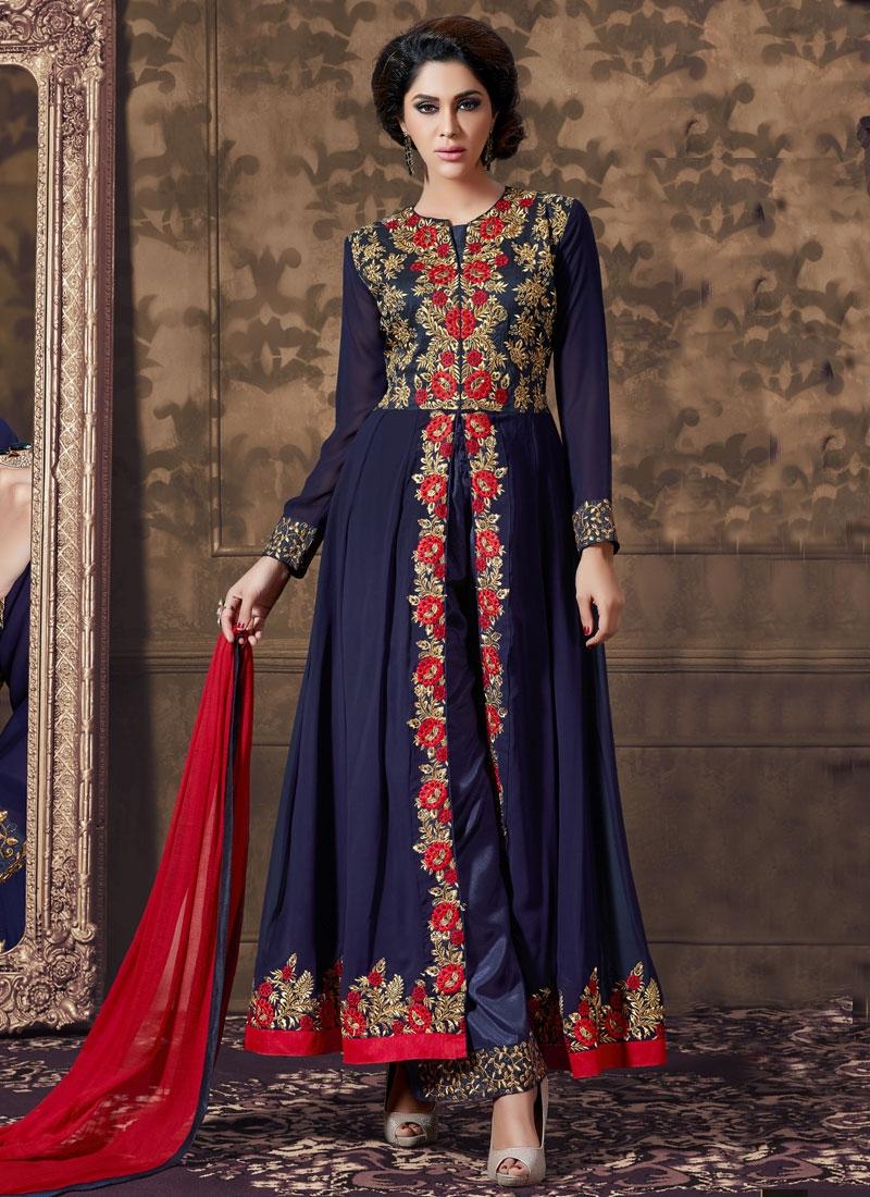 Extraordinary Embroidery Work Designer Salwar Kameez
