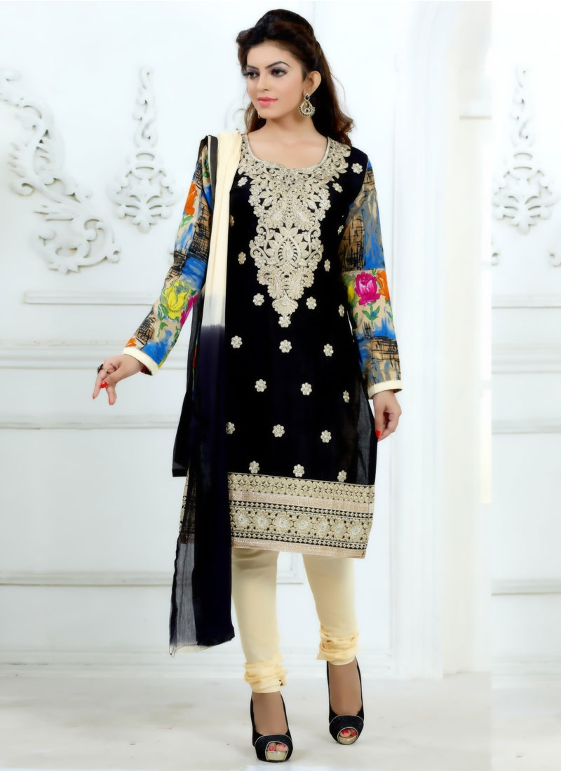 Extraordinary Lace Work Casual Salwar Suit