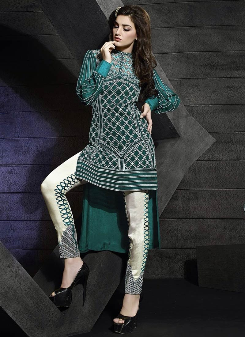 Eye-Catchy Pure Georgette Pant Style Designer Suit