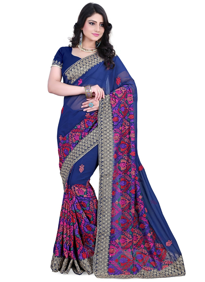 Fashionable Embroidery Work Wedding Saree