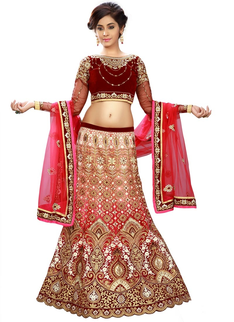 Fetching Embroidery Work Bridal Lehenga Choli