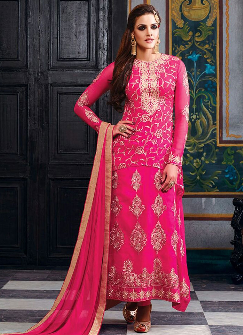 Fetching Embroidery Work Designer Salwar Suit