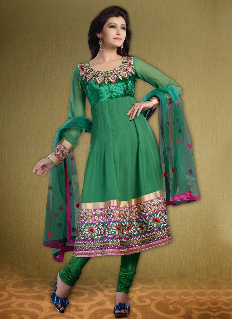 Floral And Lace Work Party Wear Salwar Kameez