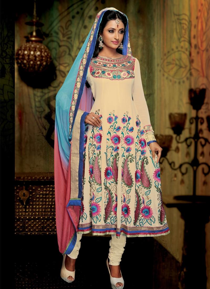 Glorious Floral Work Anarkali Salwar Kameez