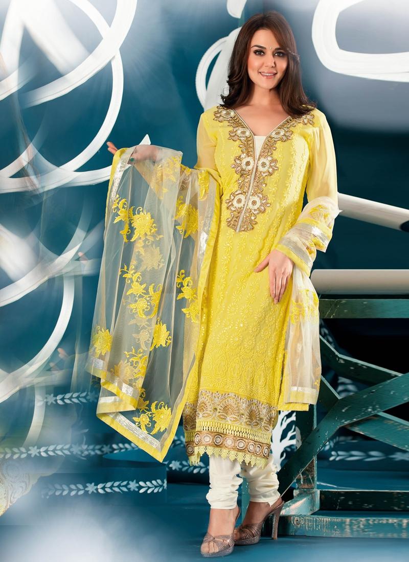 Grandiose Embroidered Party Wear Salwar Kameez