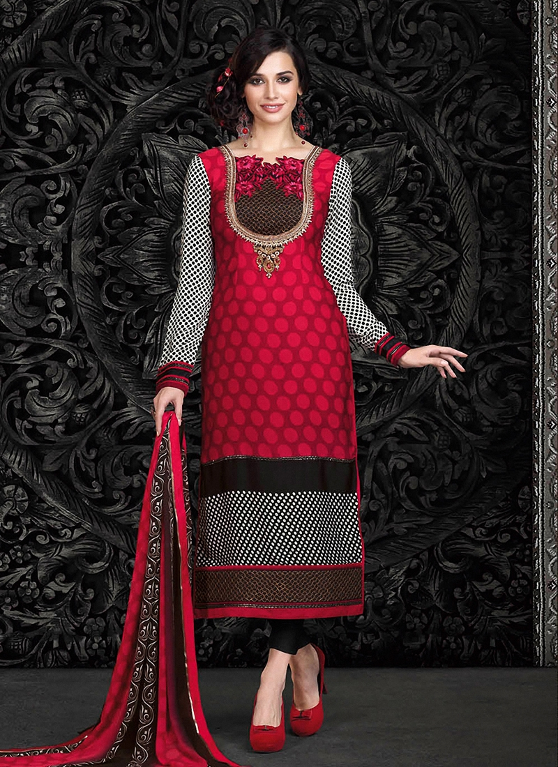 Gripping Patch Border Work Pant Style Pakistani Suit