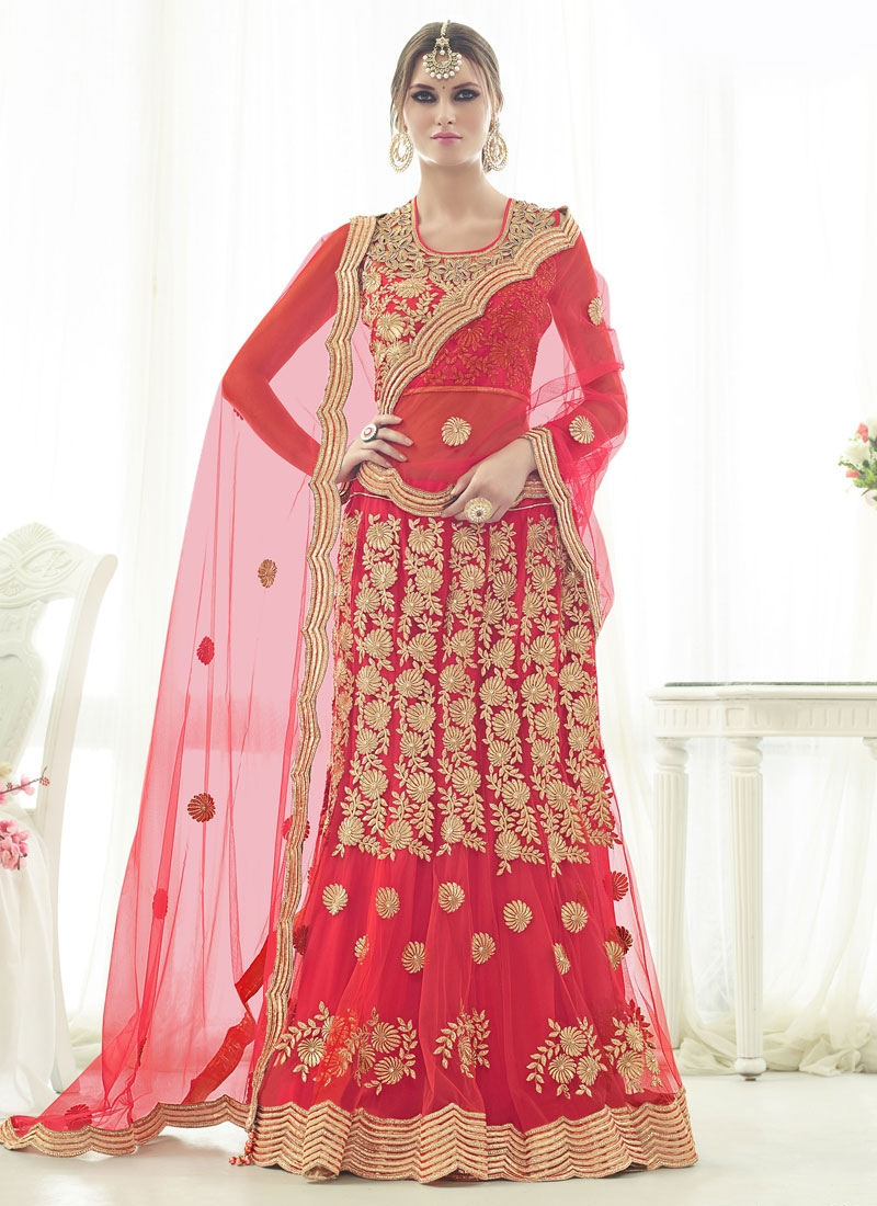 Groovy Embroidery And Stone Work Bridal Lehenga Choli