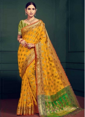 Handloom Silk Green and Orange Thread Work Trendy Classic Saree