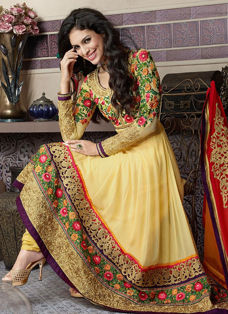 Heavenly Floral Work Wedding Salwar Suit