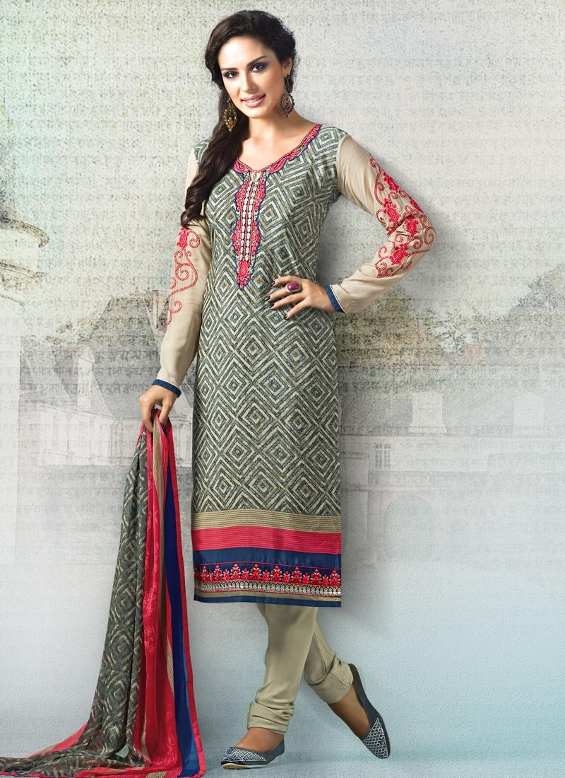 Hypnotizing Digital Print Work Casual Salwar Suit